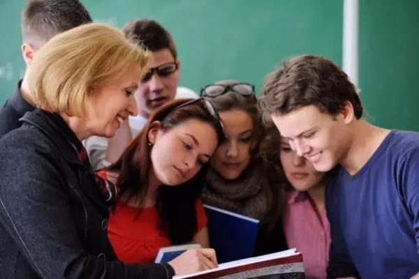 美国私立高中